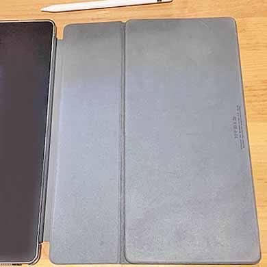 iPad Proキーボード おりたたむ